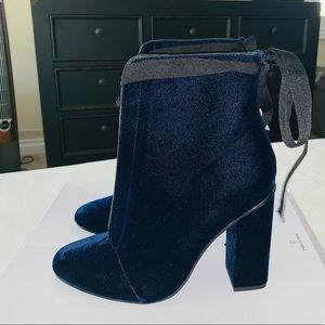 ZARA BLUE VELVET ANKLE BOOTIES!